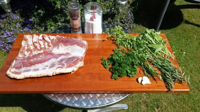 Ingredienser til porchetta