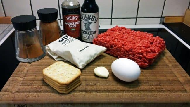 Ingredienser til hjemmelavede burgerbøffer