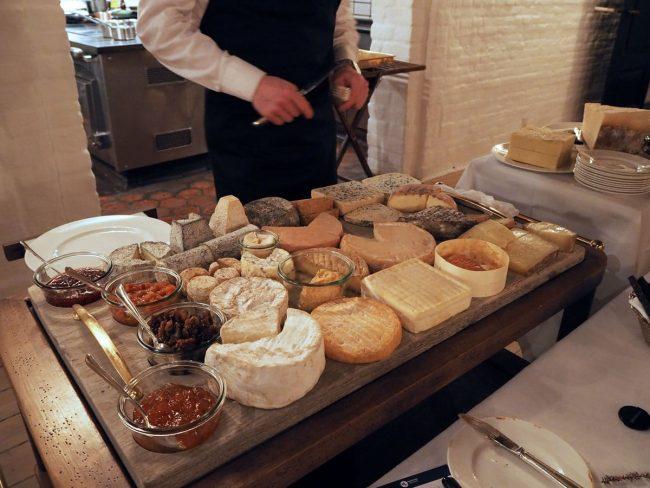 Falsleds berømte ostebord