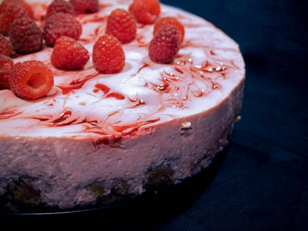 Cheesecake med hindbær – Let og lækker