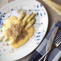 Asparges,-hollandaise-og-trøffel