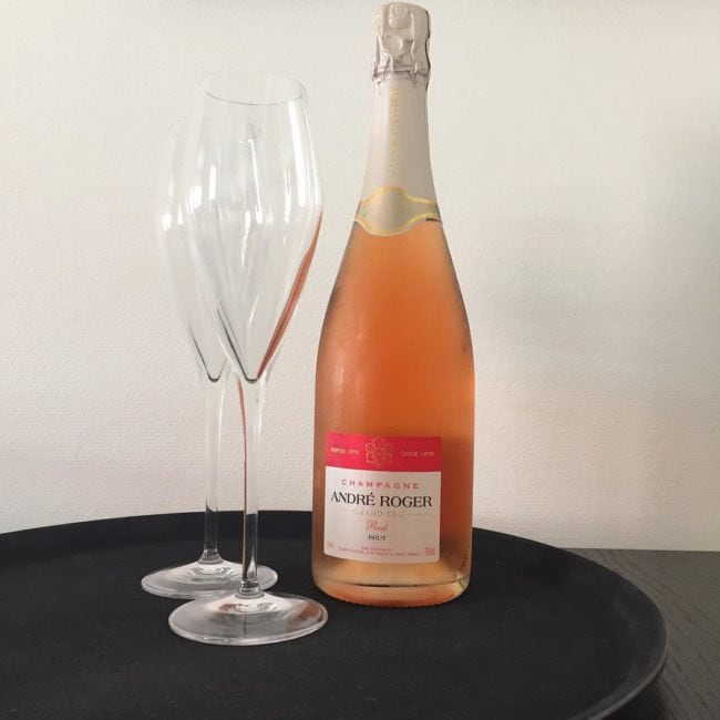 Brug hvad du lyster af Champagne, så længe det er tørt og lækkert... Her er en af mine go-to Champagner til denne slags opgaver.