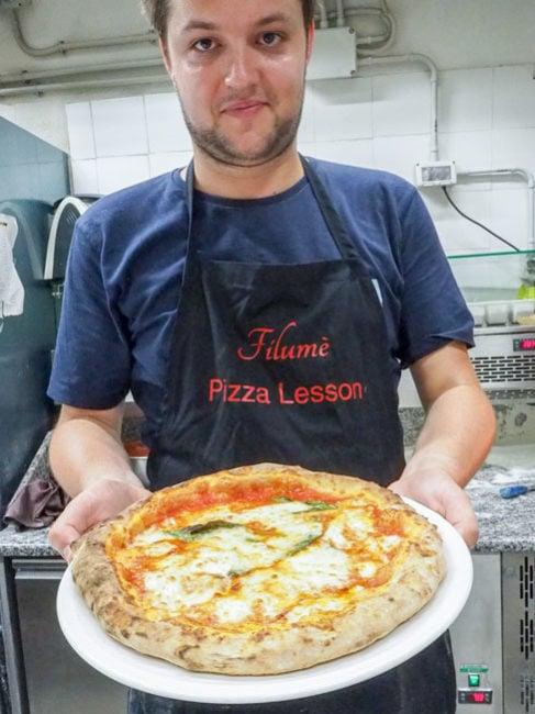 Færdig hjemmelavet pizza