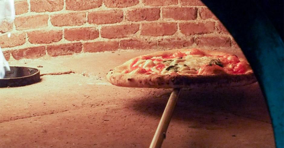 Rørig Hjemmelavet pizza - Den ultimative guide med verdens bedste pizzadej TR-03