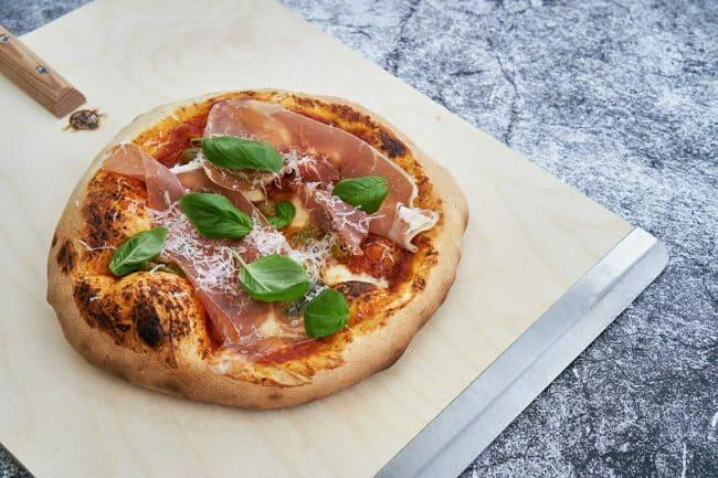 Hjemmelavet pizza med verdens bedste pizzadej