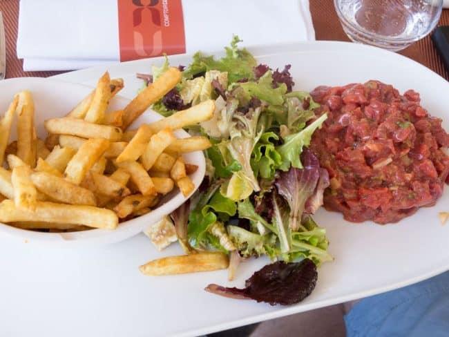 Steak tatare og fritter