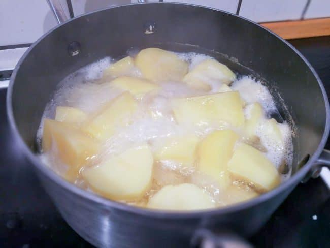 Kartoflerne koges