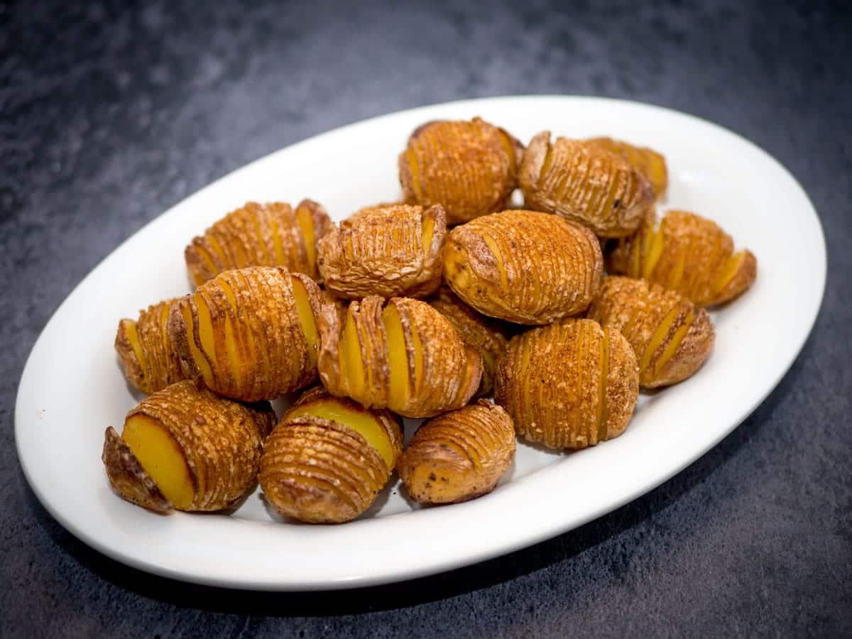 Hasselback kartofler opskrift – Sprøde og møre