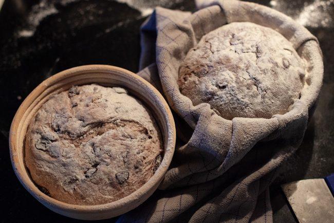 Olivenbrød opskrift - Dejen til hævning i hævekurve