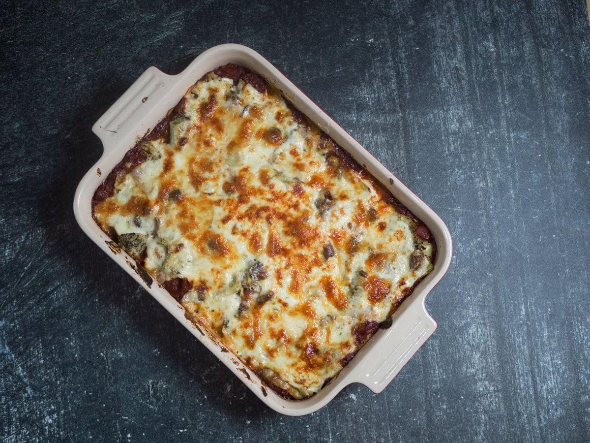 Vegetarlasagne opskrift – Med grillet aubergine og artiskokker