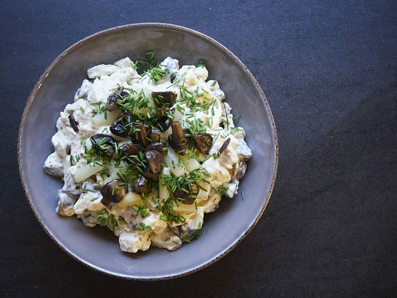 Hønsesalat med smørstegt champignon – Den skønneste frokostsalat