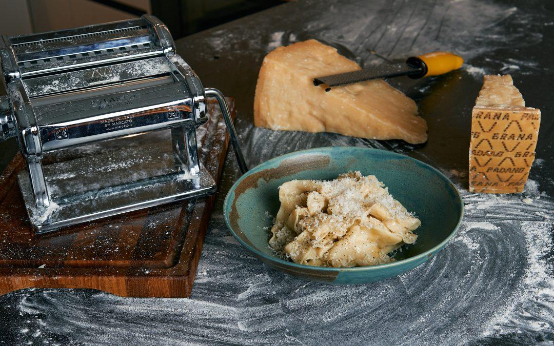 Pappardelle med Grana Padano sauce