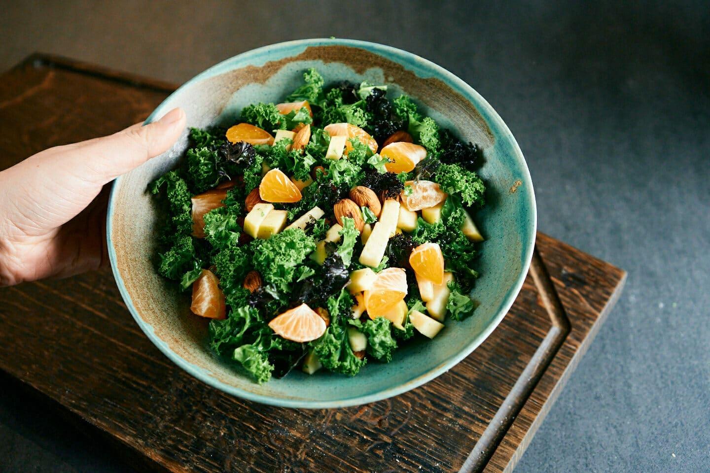 Grønkålssalat med æbler – Nem og lækker